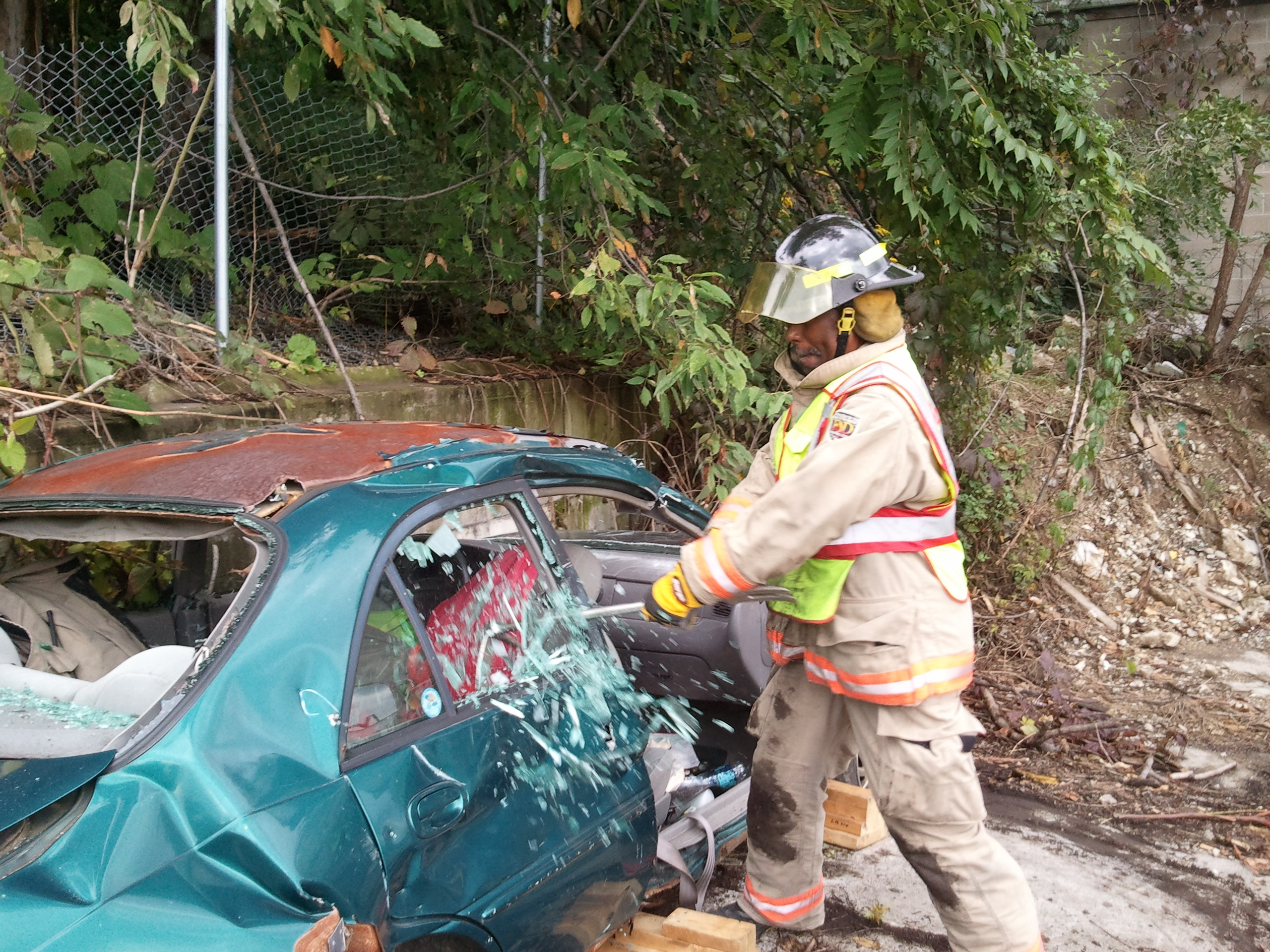 Auto Extrication Training conducted at Mel's Towing